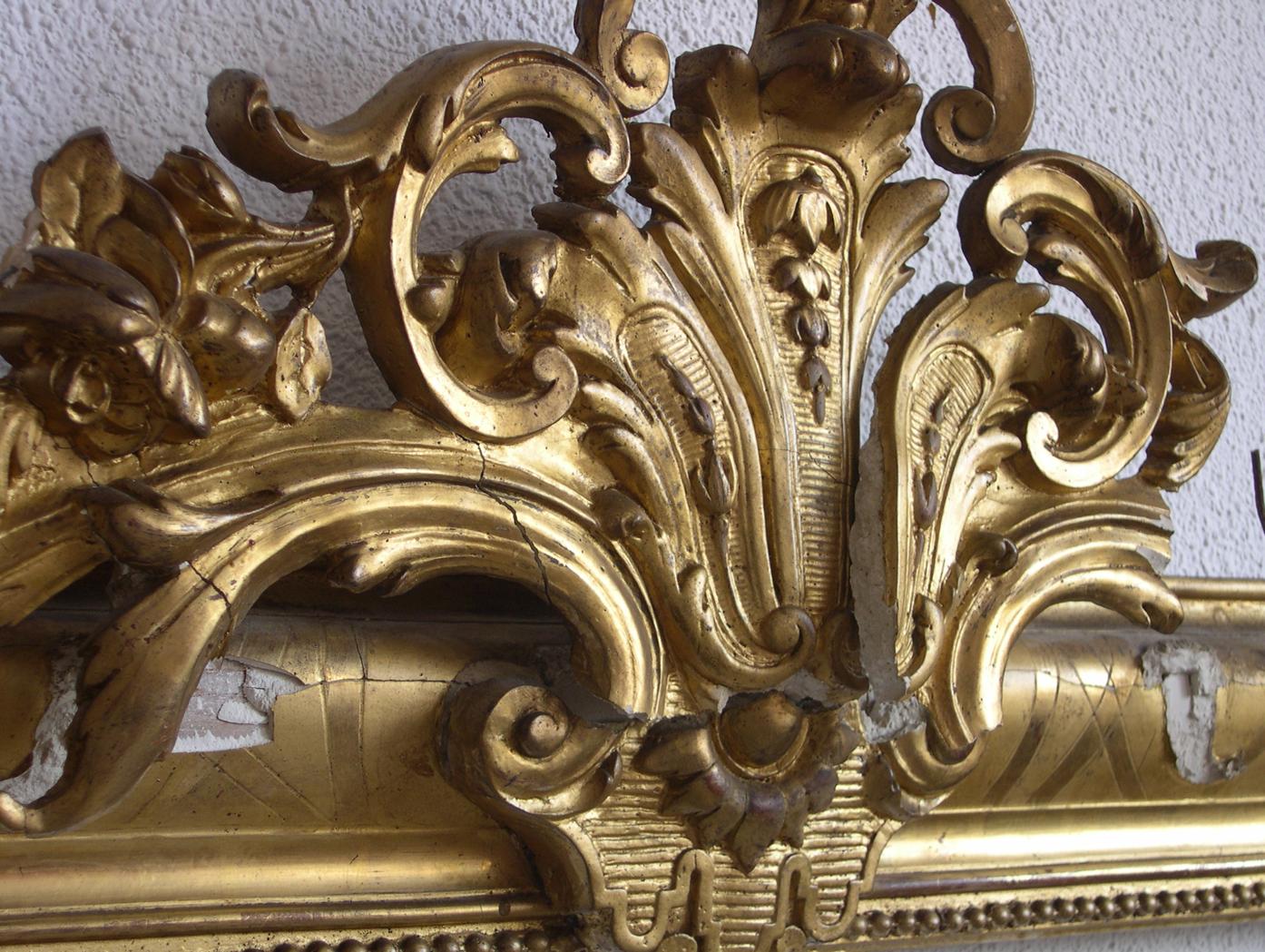Marco dorado con espejo marco dorado de espejo detalle for Espejo marco dorado