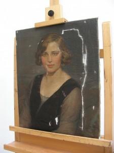 Retrato femenino. Óleo sobre lienzo-estucado previo a la reintegración